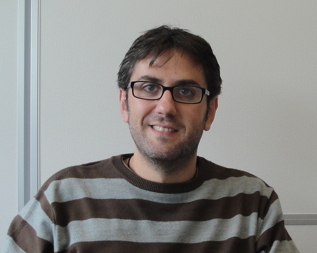 Dr. Roberto Fernandez Martinez